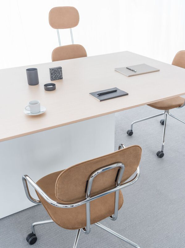conference-table-gravity-mdd-2